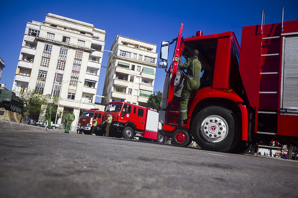 Latin-American and Caribbean firefighters train in Cuba